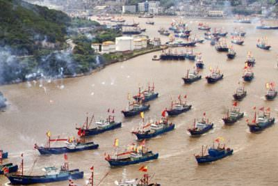 Fishermen set out for sea after summer fishing suspension ends, Ningbo, Zhejiang Province, China - 16 Sep 2014.